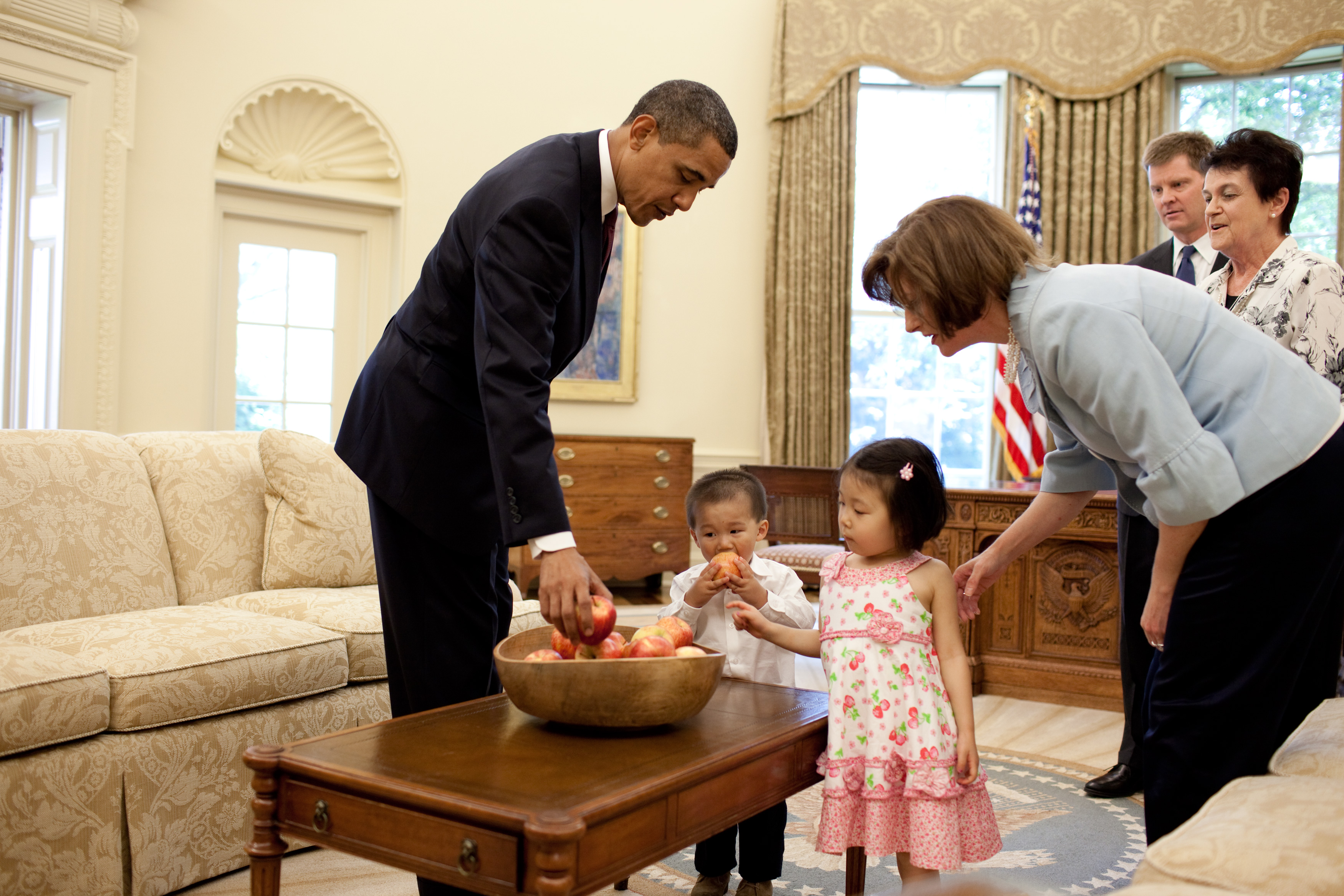 President Barack Obama in the Oval Office with former White House Communications Director Ellen Moran and her family, June 24, 2009.  (Official White House Photo by Pete Souza) This official White House photograph is being made available for publication by news organizations and/or for personal use printing by the subject(s) of the photograph. The photograph may not be manipulated in any way or used in materials, advertisements, products, or promotions that in any way suggest approval or endorsement of the President, the First Family, or the White House.