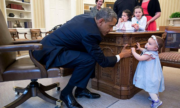 13_kids_who_stole_the_show_in_pics_with_President_Obama