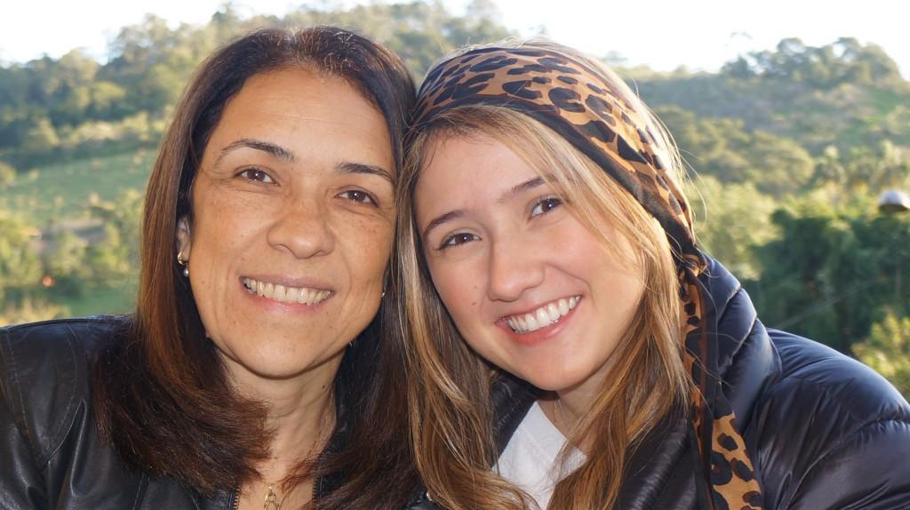 """Roberta e Taís Bento, autoras do livro """"Socorro! Meu filho não Estuda!"""""""