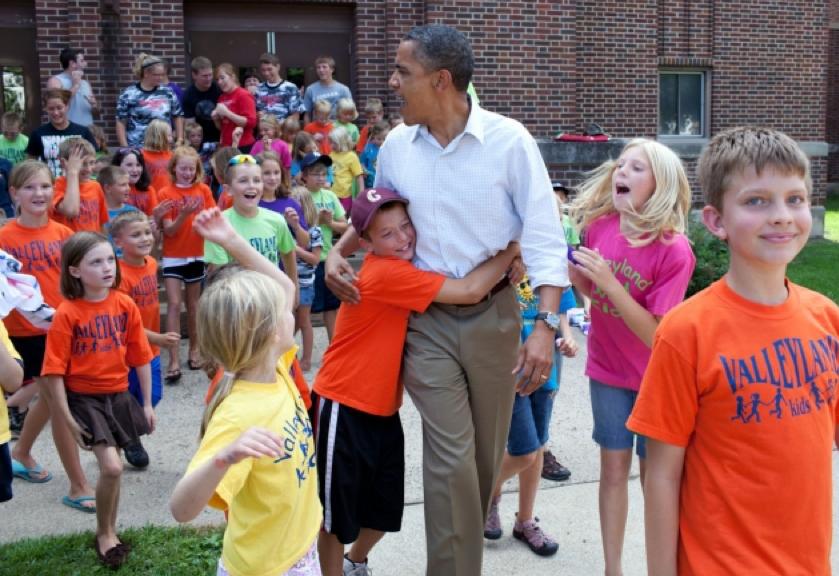 Obama-with-children