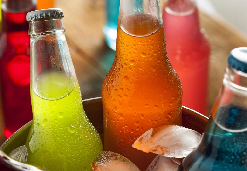 refrigerantes e sucos artificiais