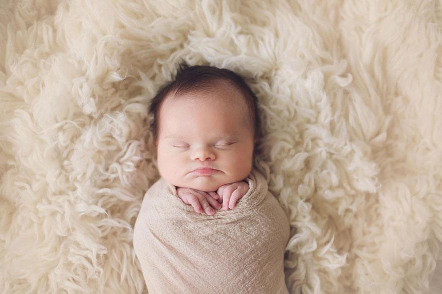 baby-terminal-brain-tumor-cancer-down-syndrome-family-photos-abigail-jones-5