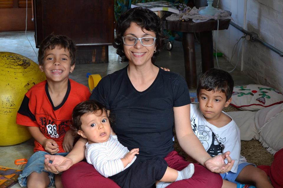 Claudia com seus filhos Pedro, Gabriel e Francisco