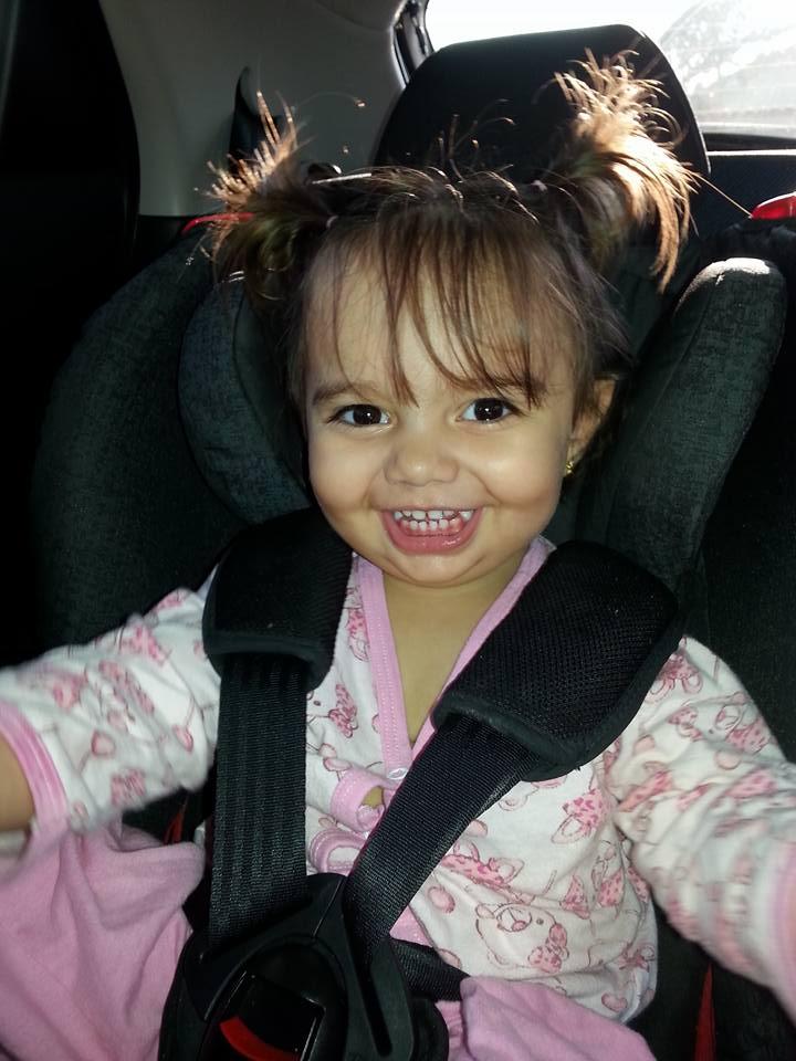 Alice, 5 anos, filha de Gabriela e Virgílio