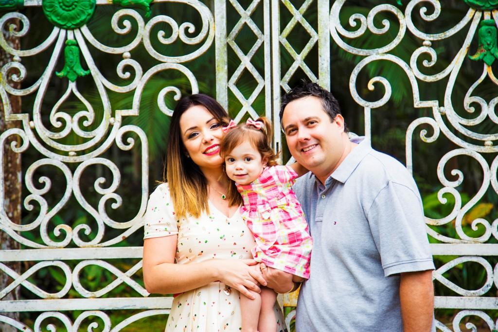 Flávia Calina, com o marido, Ricardo, e a filha, Victoria