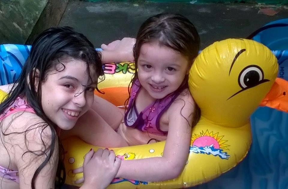 Júlia, 8 anos, e Juliana, 4 anos, filhas de Telma e Júnior