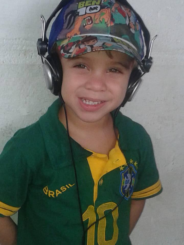 João Pedro, 4 anos, filho de Leomara e Márcio