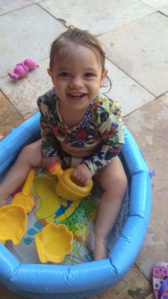 Maria Alice, 1 ano, filha de Larissa e João