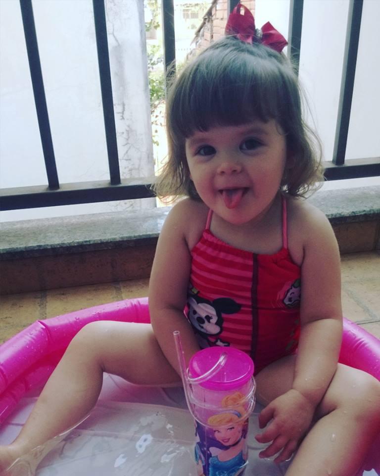 Maria Eduarda de Brito, 1 ano, filha de Tahari e Douglas
