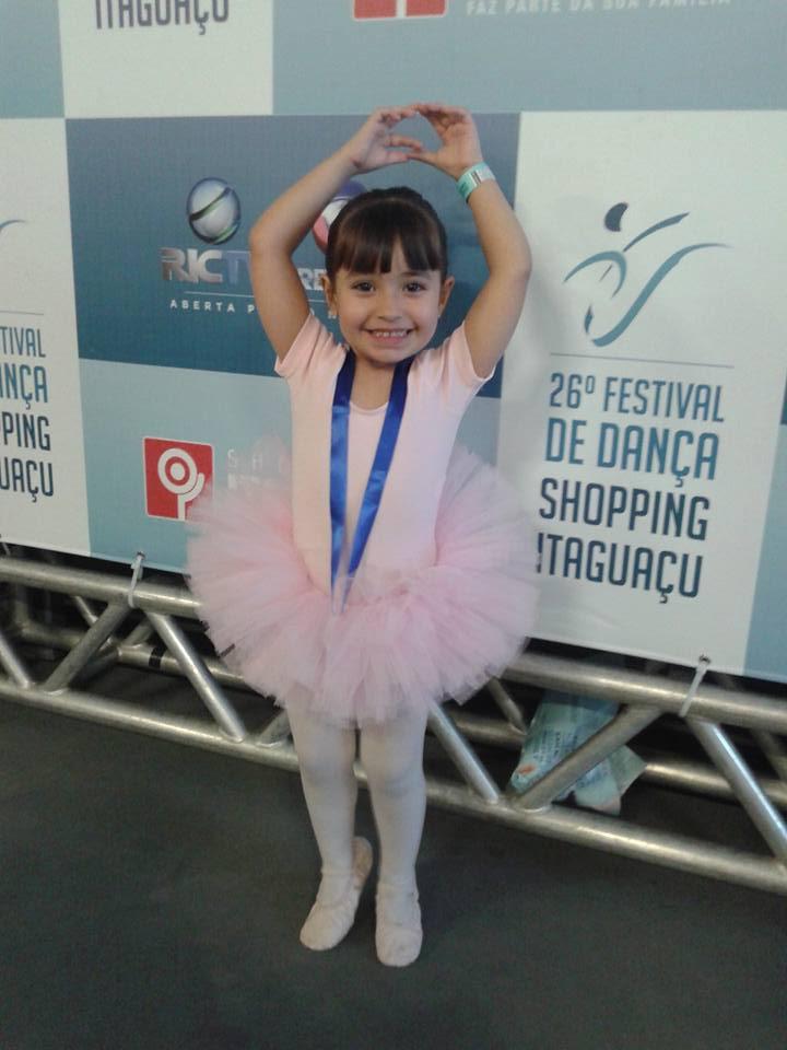 Sarah, 4 anos, filha de Carine e Teodoro