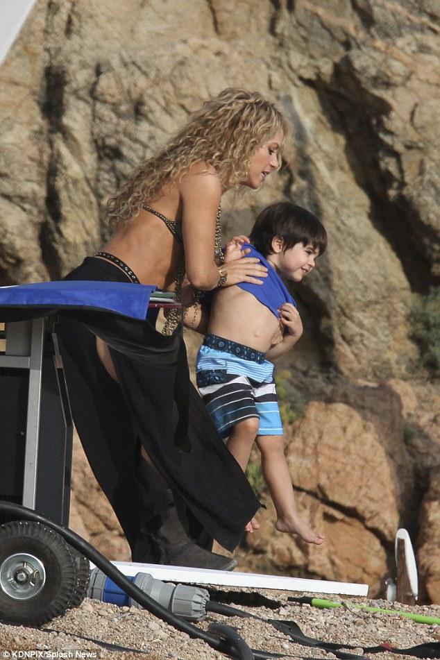 Shakira e filho 2