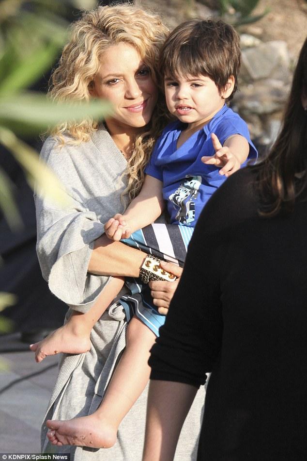 Shakira e filho 5