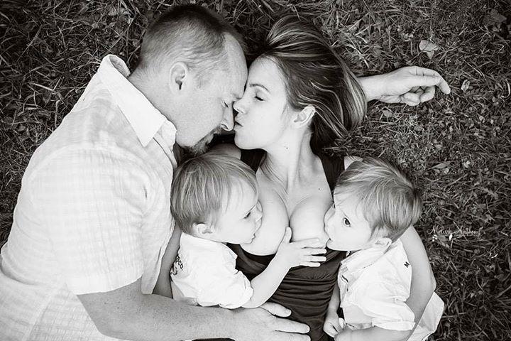 Foto de amamentação que todo pai deve ver