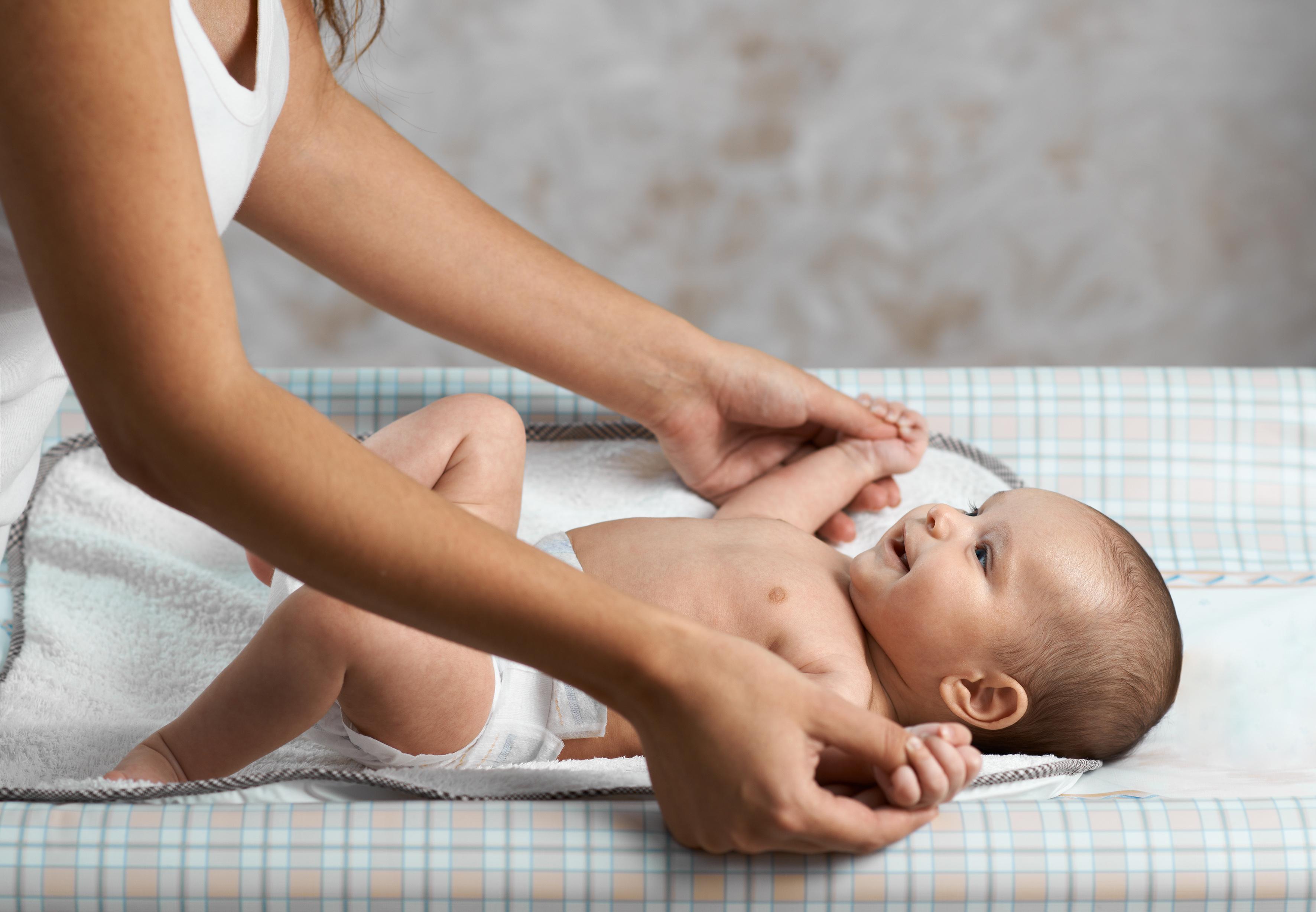 O trocador é um objeto importante no quarto do bebê. (Foto: Sutterstock)