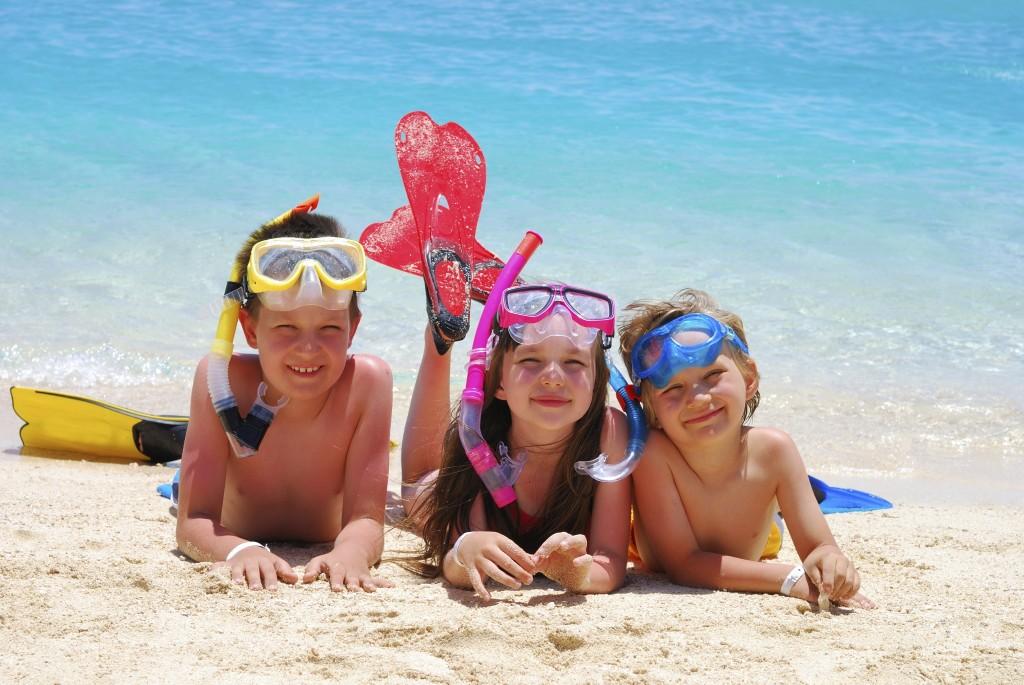 Crianças praia
