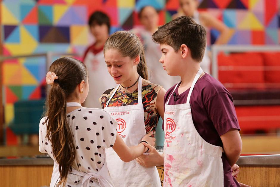 Ivana se despede de Valentina e Eduardo