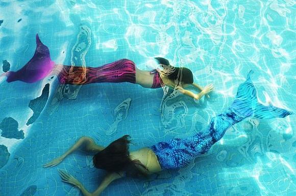 cauda_sereia_piscina