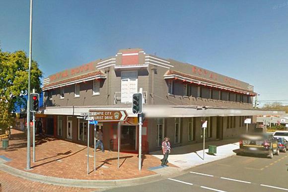 The Royal Hotel, no estado de Queensland, na Austrália  (Foto: Reprodução)