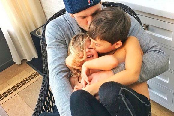 Tom-Brady-com-os-filhos