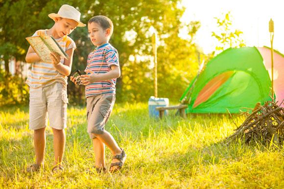As brincadeiras e a diversão estão nos pequenos momentos com as crianças (Foto: Shutterstock)