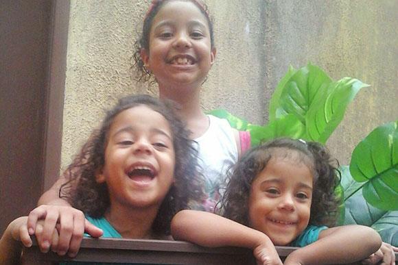 Giovana, Olívia e Helena, filhas de Daniela