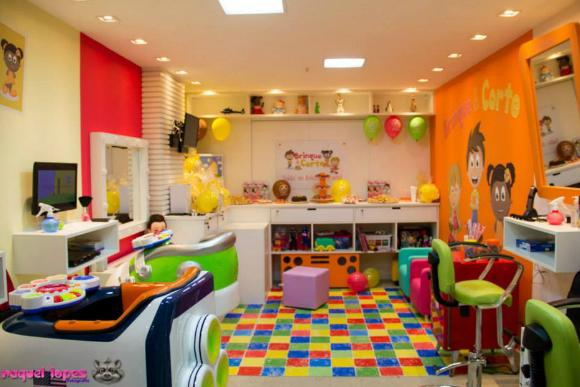 Salões especializados em corte infantis oferecem ambiente divertido (Foto: Raquel Lopes/ Divulgação Brinque & Corte)