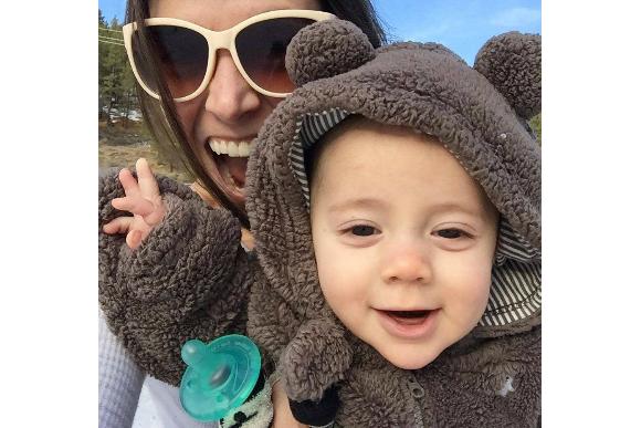 Jessica e o filho de 8 meses (Foto: Reprodução Facebook Jessica Coakley Martinez )