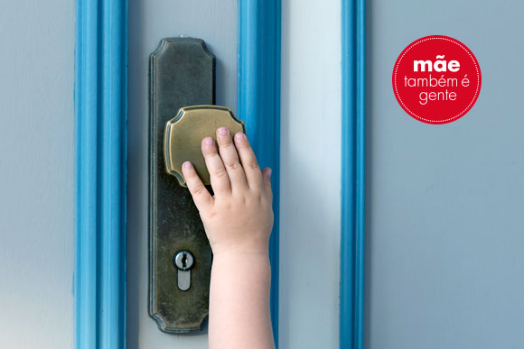 stock-photo-little-child-hand-on-the-door-handle-148925369_