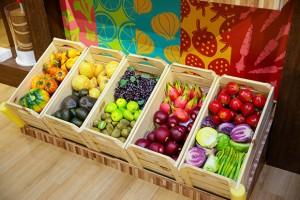 Frutas e legumes estão disponíveis para a preparação dos quitutes
