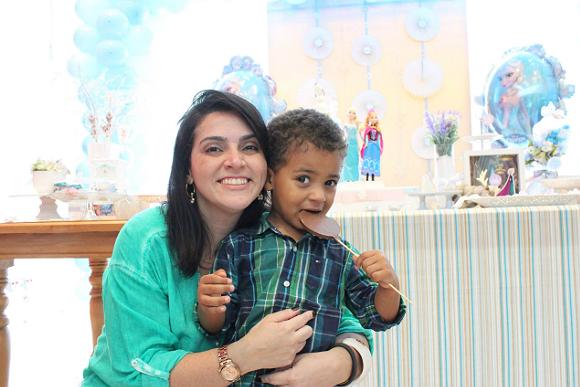 Rafael adorou as babás que a mãe Adriane contratou pelo aplicativo (Foto: Arquivo pessoal)