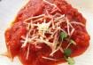 Ravióli de ricota e abobrinha com molho de tomate rústico, da The Chew Collective