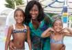 A jornalista Gloria Maria e as filhas, Maria e Laura