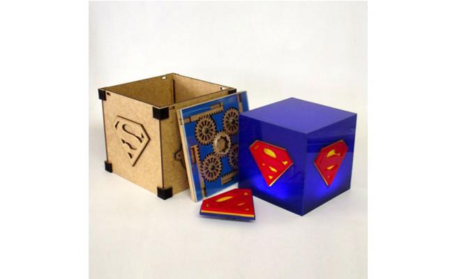 2---Luminária-Cubo-Superman_ToyShow,-129