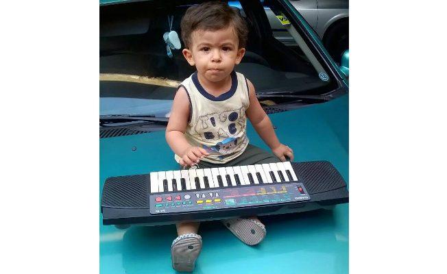 edit_ana-du-rapha-esse-teclado-fez-parte-da-minha-infancia-e-hoje-meu-pequeno-raphael-de-2-anos-e-5-meses-brinca-com-ele-meu-filho-liga-toca-e-troca-de-melodia-desde-os-7-meses