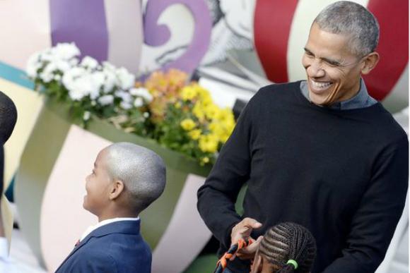 Obama conhece mini Obama