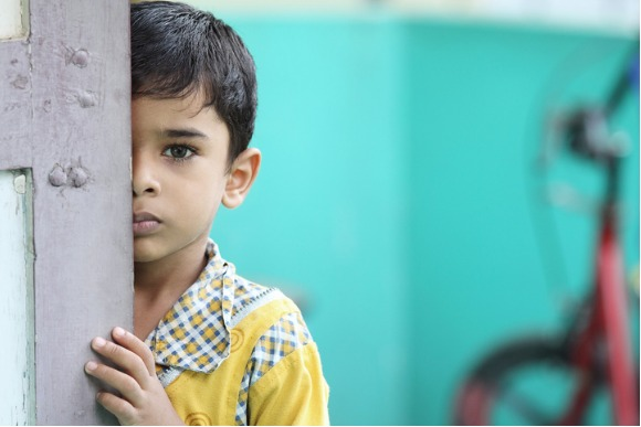 depressed-indian-little-boy-picture-id542591762
