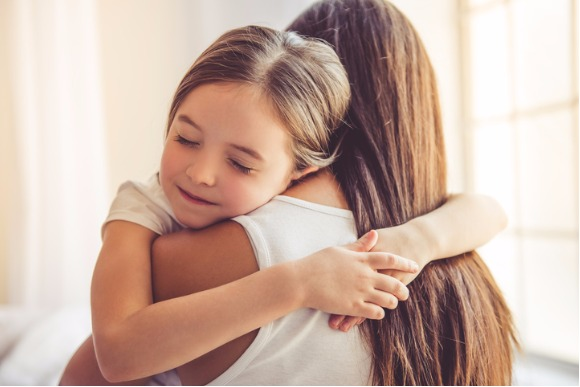 mother-and-daughter-at-home-picture-id620734880