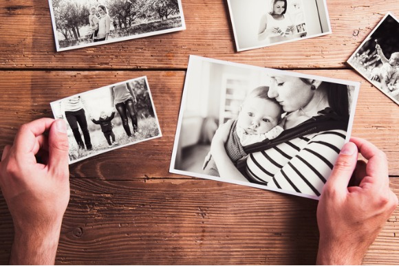 mothers-day-composition-blackandwhite-pictures-wooden-backgr-picture-id534485672
