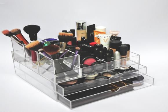 Porta Maquiagem Guta R$428