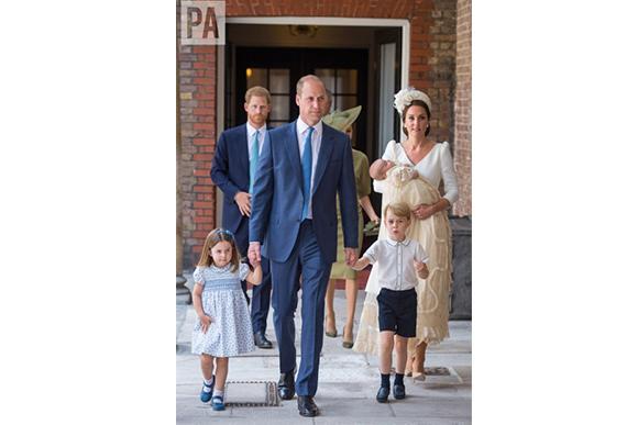Filhos do príncipe William com Kate Middleton, já têm suas tutelas em nome da avó (Foto: Reprodução Twitter / @domlipinski / Dominic Lipinski/Pool Photo via AP)