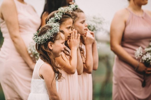Photo-Girl-Crying-When-Her-Mom-Gets-Married (2)