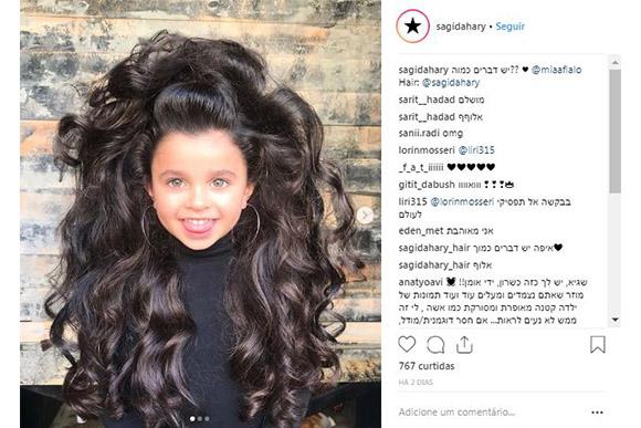 Menina ficou famosa por seu cabelo longo e volumoso (Foto: Reprodução/ Instagram @miaaflalo)