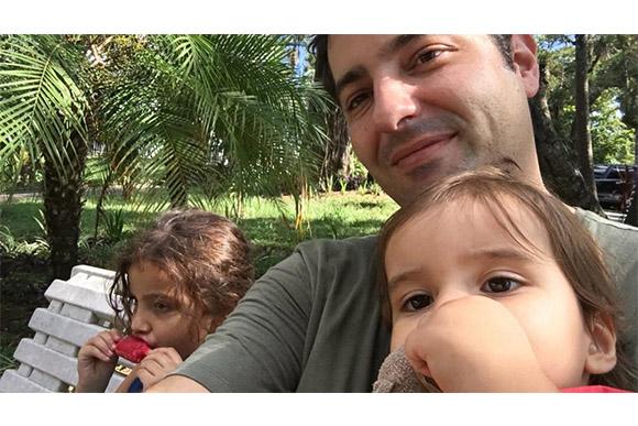 Luiz Megale fala sobre paternidade em entrevista à Pais&Filhos (Foto: Arquivo Pessoal)