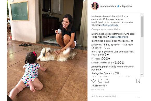 Adriana Sant'Anna e sua filha linda, que completou 8 meses (Foto: Reprodução/ Instagram @santanaadriana)