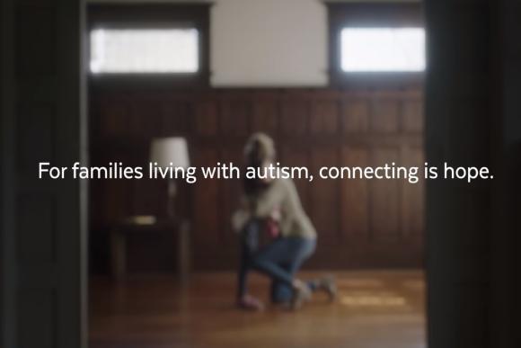 Instituição ajuda família com filhos autistas (Foto: Reprodução/ Youtube)