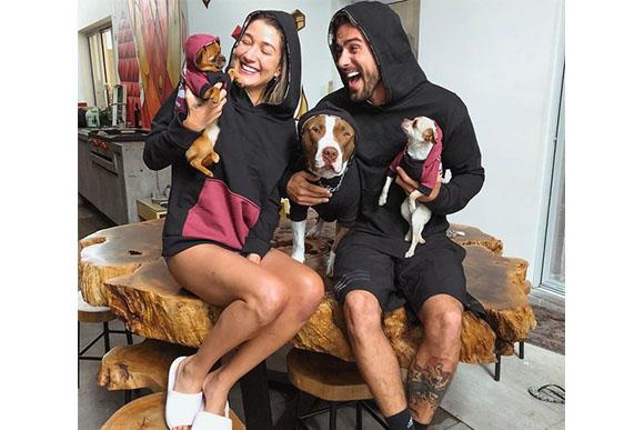 Gabriela Pugliesi e Erasmo com seus cachorros (Foto: Reprodução Instagram)