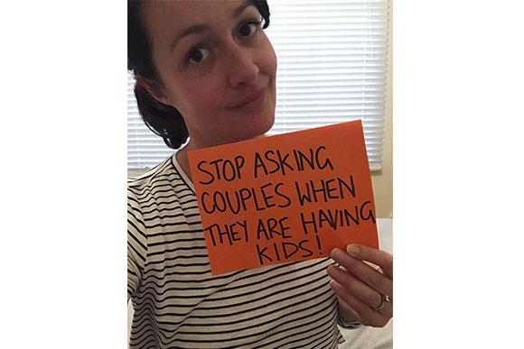 Adele Barbaro fez um desabafo sobre pessoas inconvenientes perguntando quando ela terá filho (Foto: Reprodução/ Facebook)