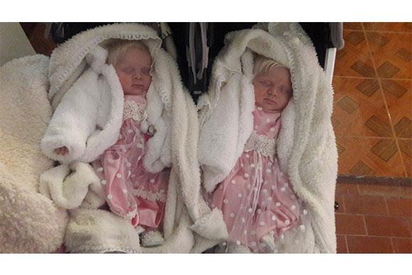 Catalina e Virgínea nasceram saudáveis e lindas (Foto: Reprodução/ Portal +Vibes)