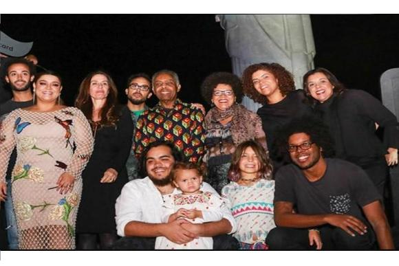 Parte da família Gil (Foto: Instagram/@gilbertogil/Reprodução)