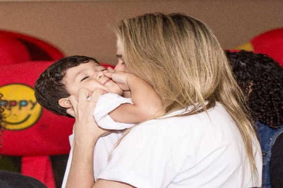 Fernanda Lima e o filho Gabriel, de 2 anos (Foto: Reprodução/Instagram)